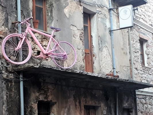Uz roze bicikle po svuda ...mora biti najslade - Baunei